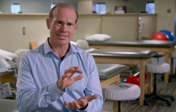 Dr. Scott Stoll headshot